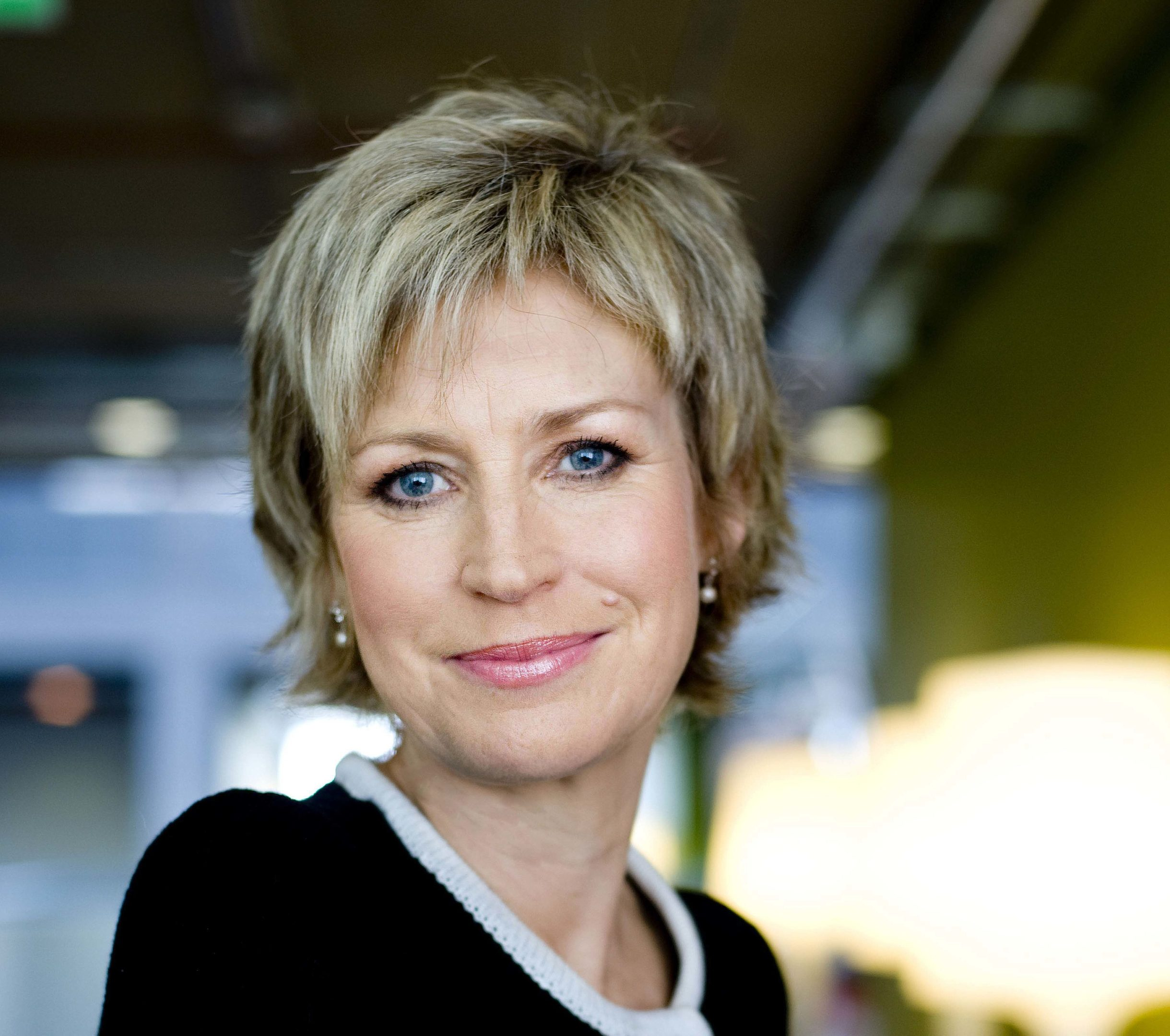 Sally Magnusson (Alan Peebles)