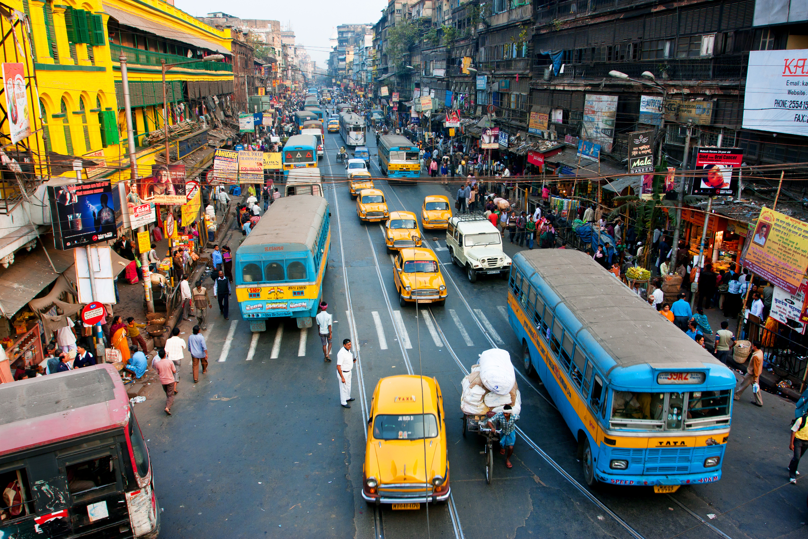 Graeme Macrae Burnet, Val McDermid and Abir Mukherjee are travelling to Kolkata for the literary festival (Getty Images/iStock)