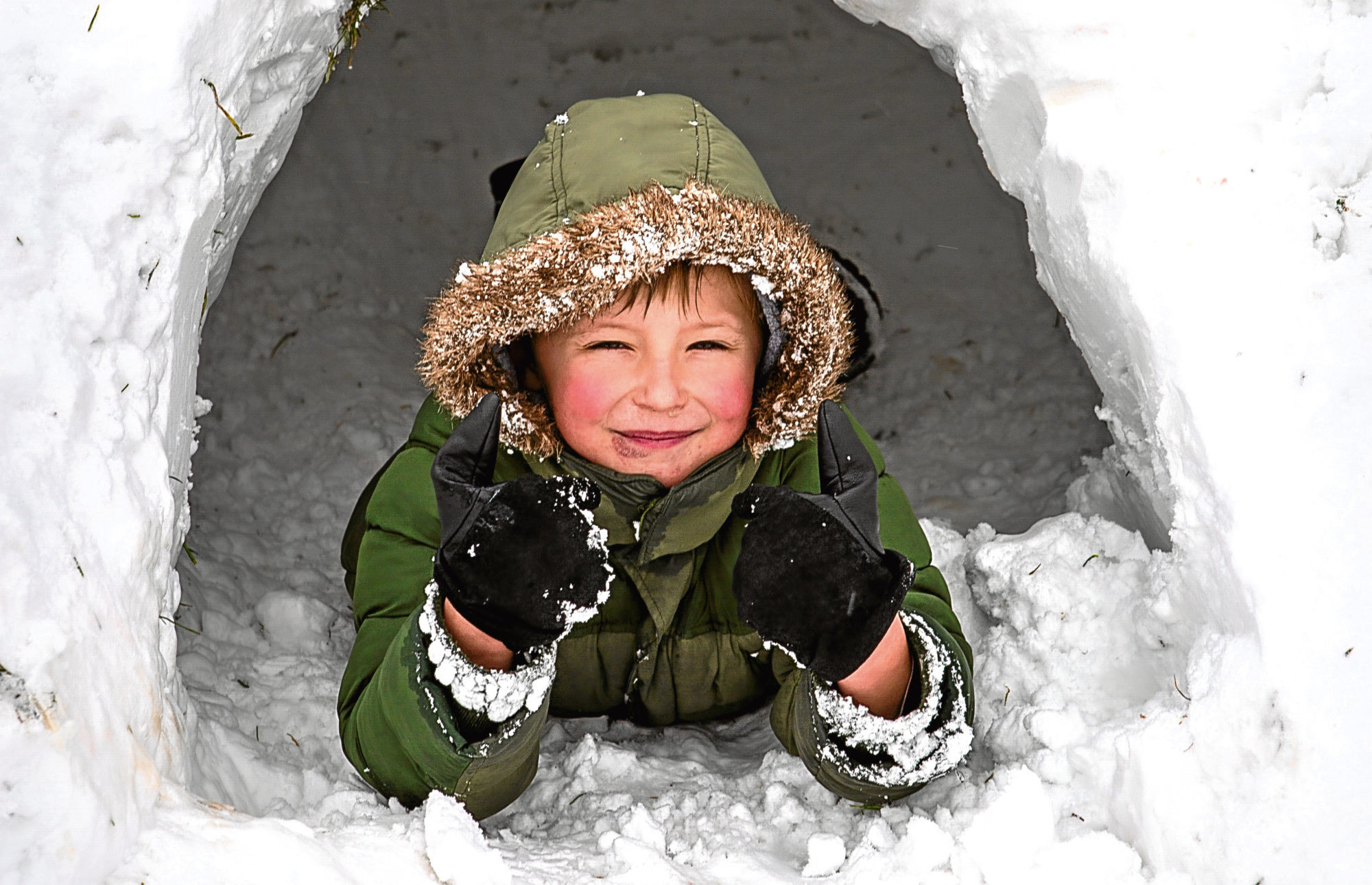 A young igloo builder in Glenrothes (Steven Brown / DC Thomson)