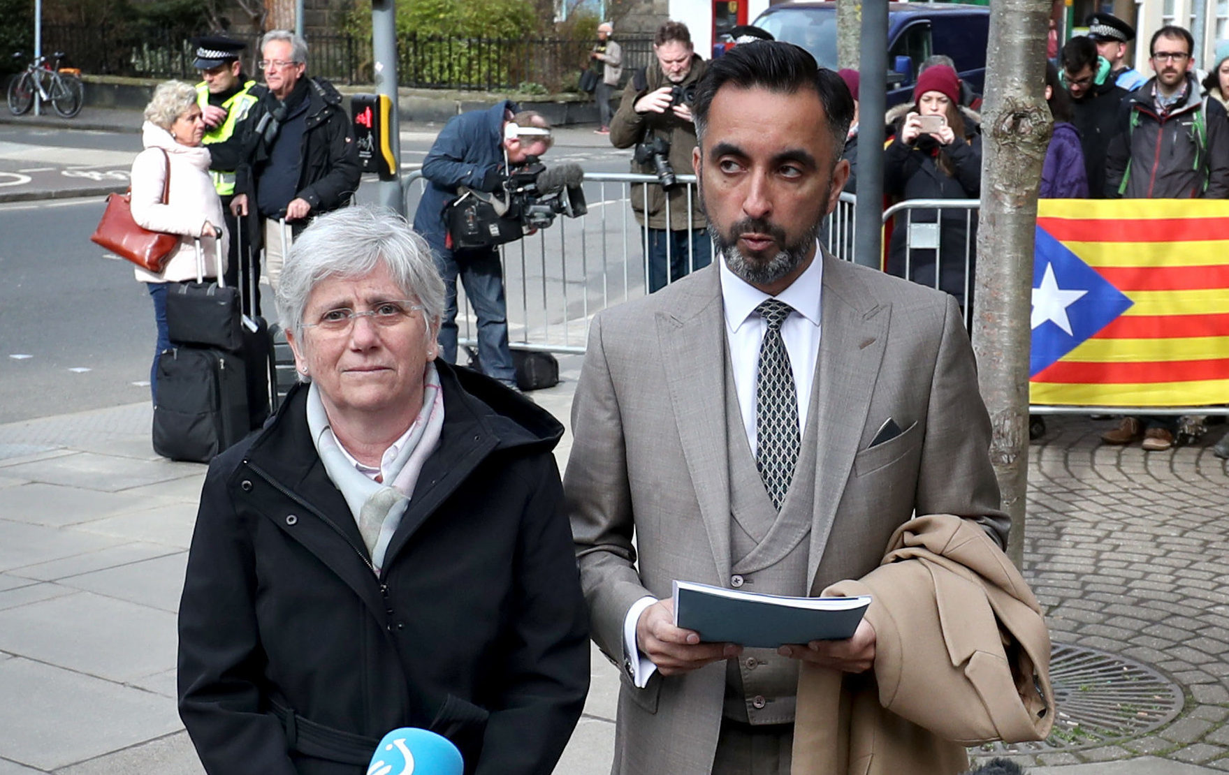 Former Catalan Minister Professor Clara Ponsati who is facing extradition to Spain attends Edinburgh police station with her lawyer Aamer Anwar (Jane Barlow/PA Wire)