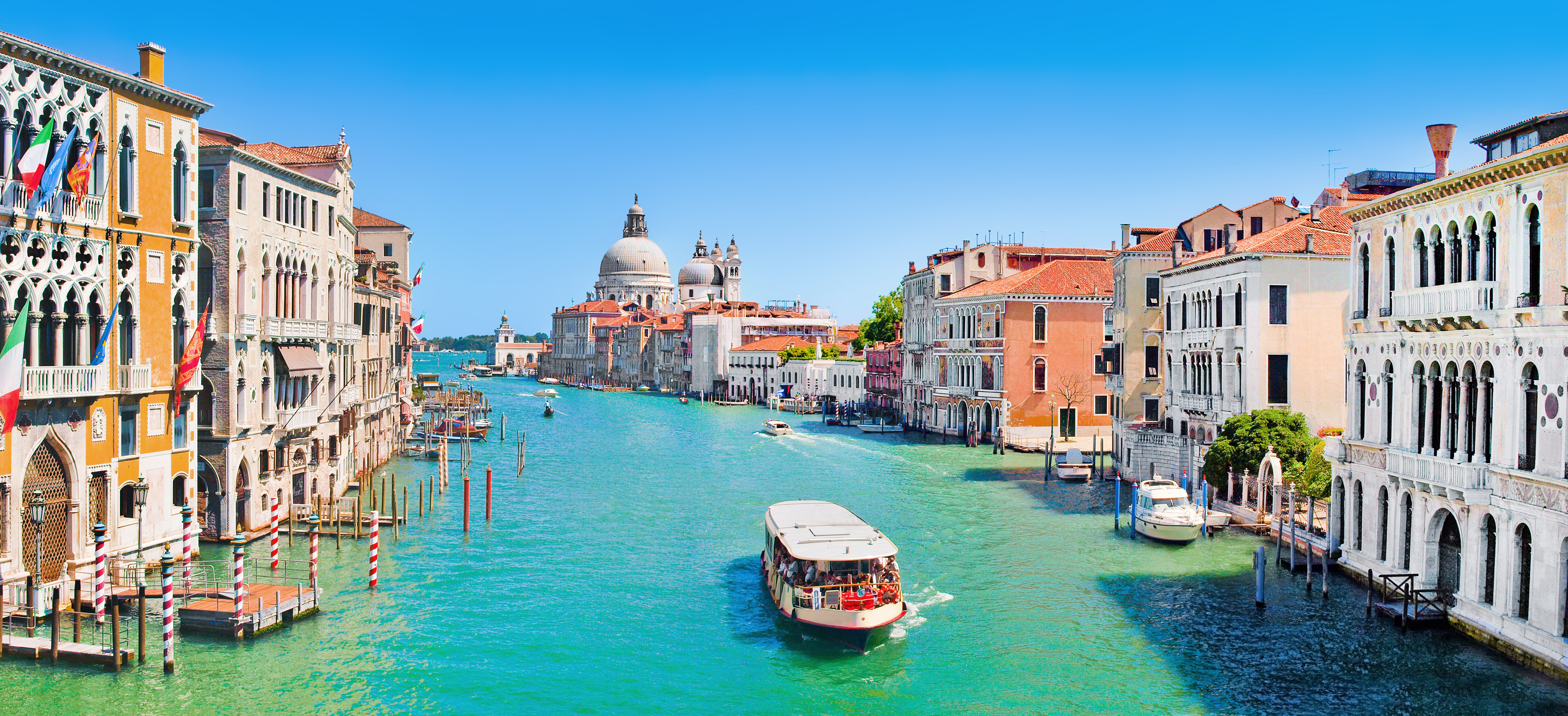 Panoramic view of famous Canal Grande with Basilica Santa Maria della Salute in Venice, Italy (Getty Images/iStock)