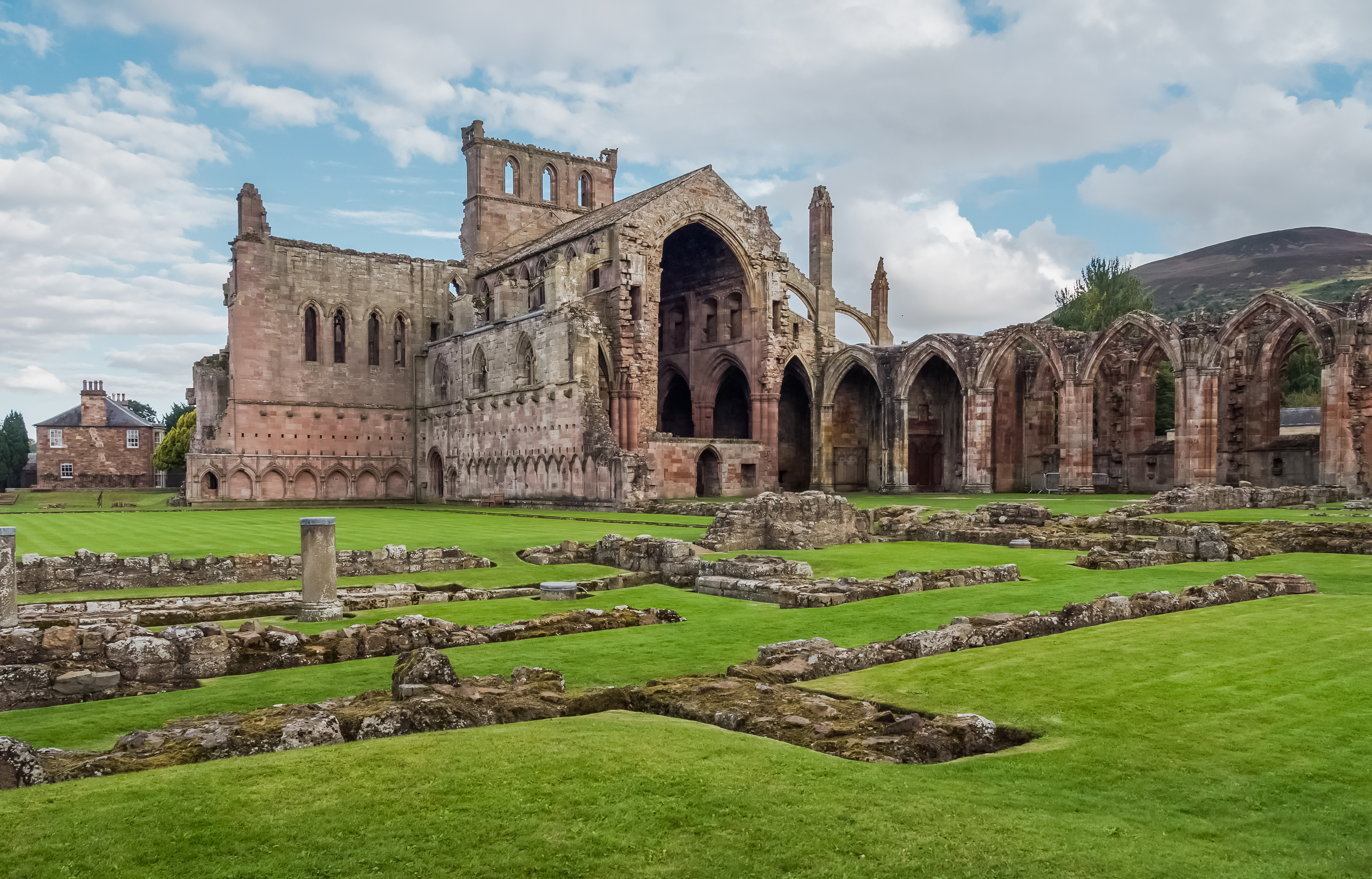 Melrose Abbey (Getty Images)