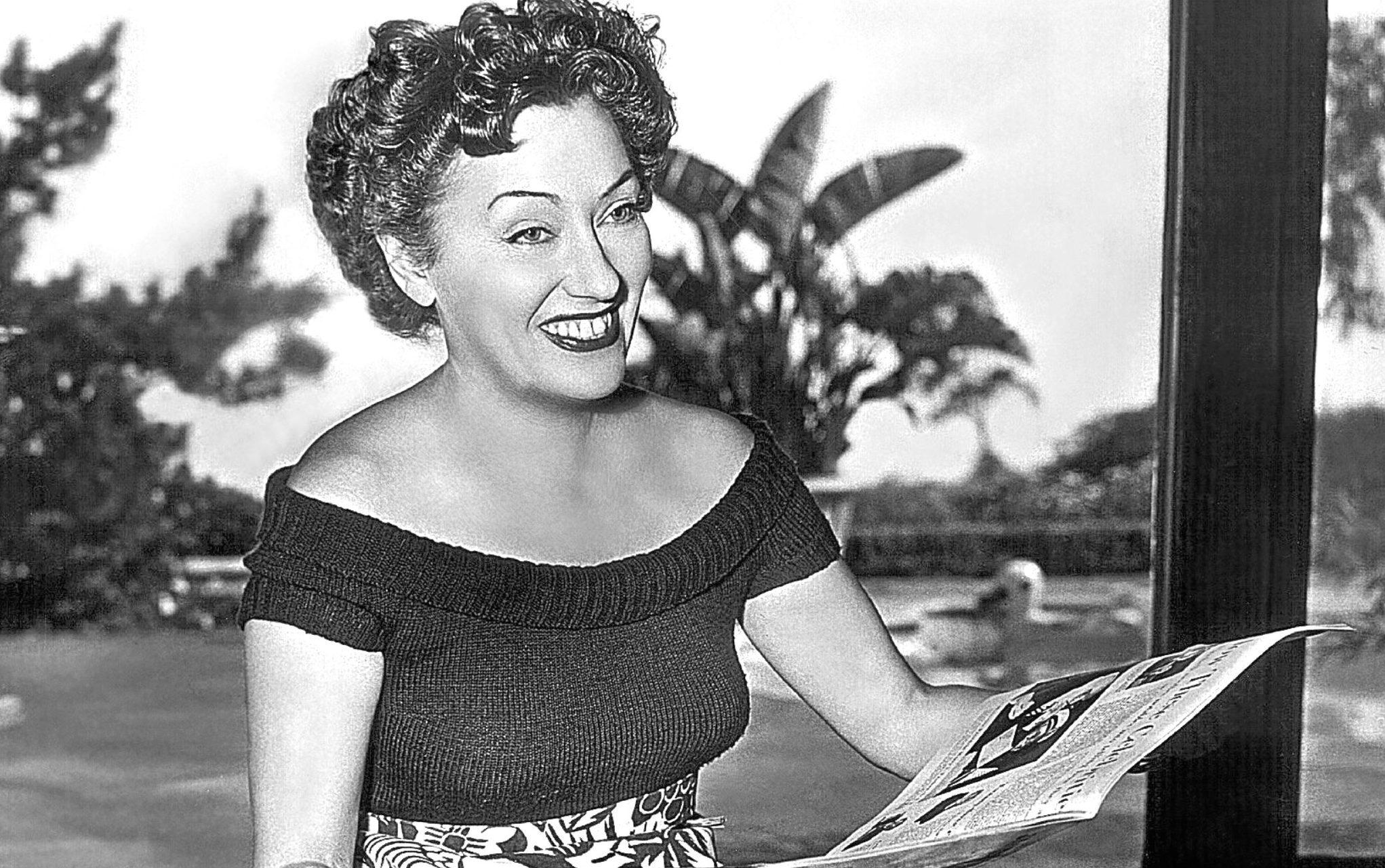 Gloria Swanson, 1952