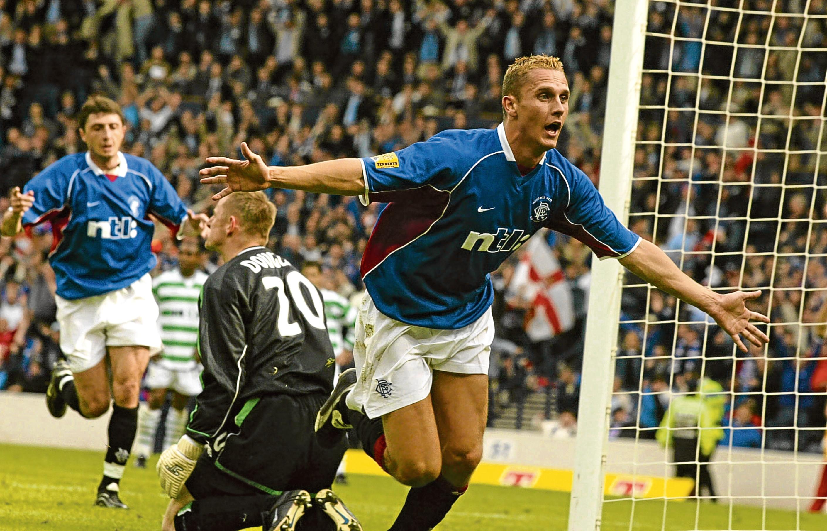 Rangers ace Peter Lovenkrands celebrates his goal (SNS)