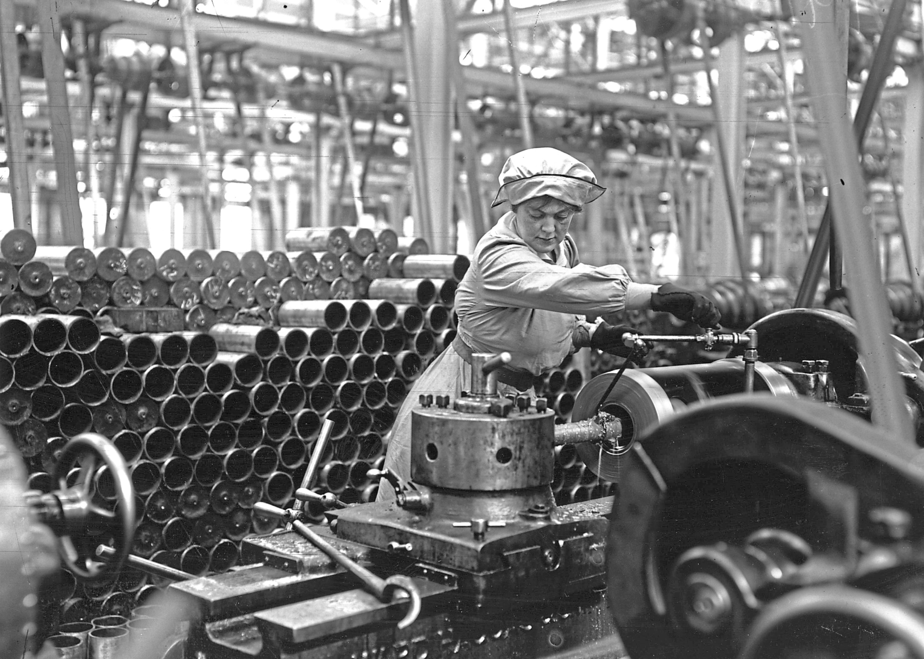 Women suffered life-changing illnesses and even died while working in munitions factories (Hulton Archive/Getty Images)