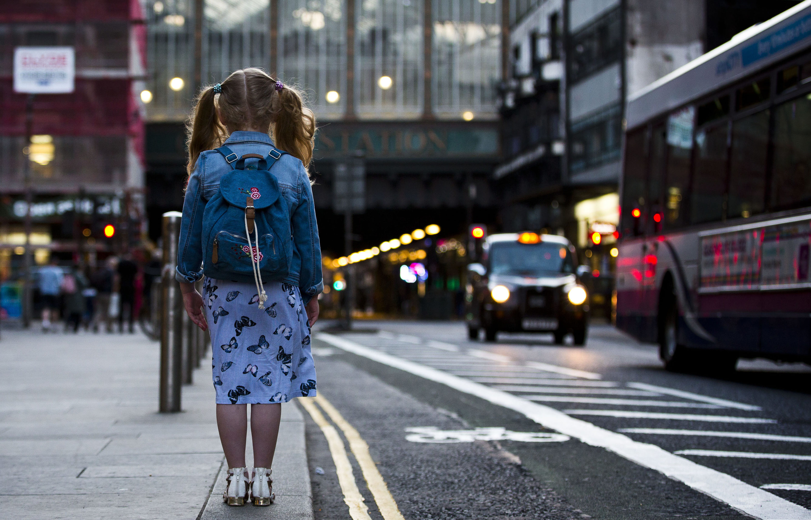 A little girl near the Four Corners in Glasgow, where Sarah says lost teens are at risk after blighted childhoods (Photo by James Williamson)