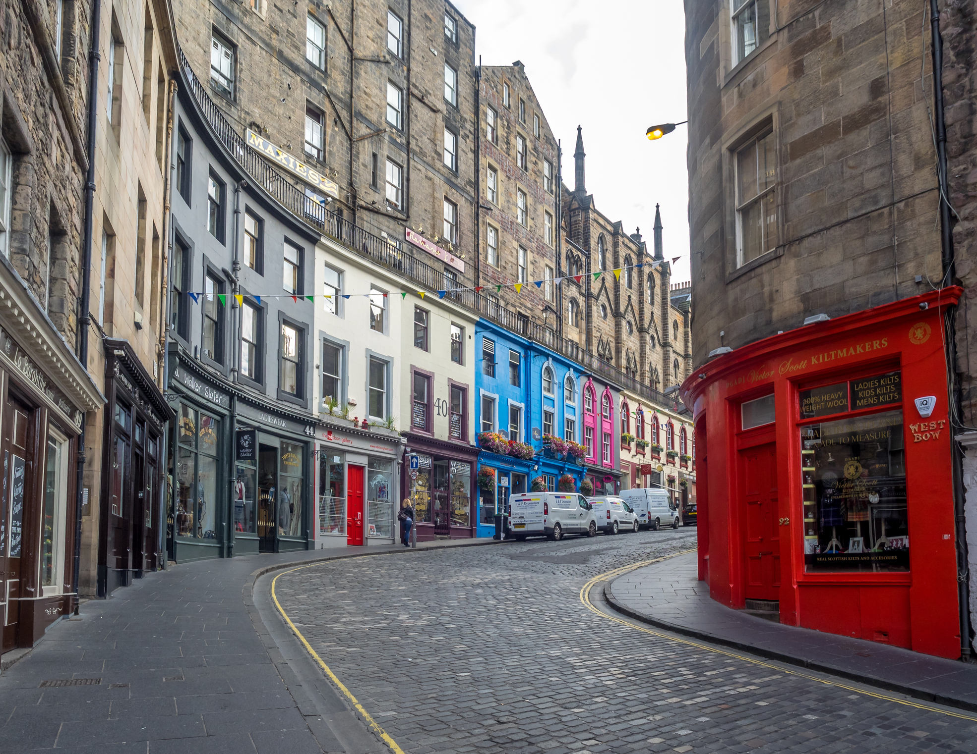 Looking up Victoria Street towards the Royal Mile, Edinburgh (Getty)