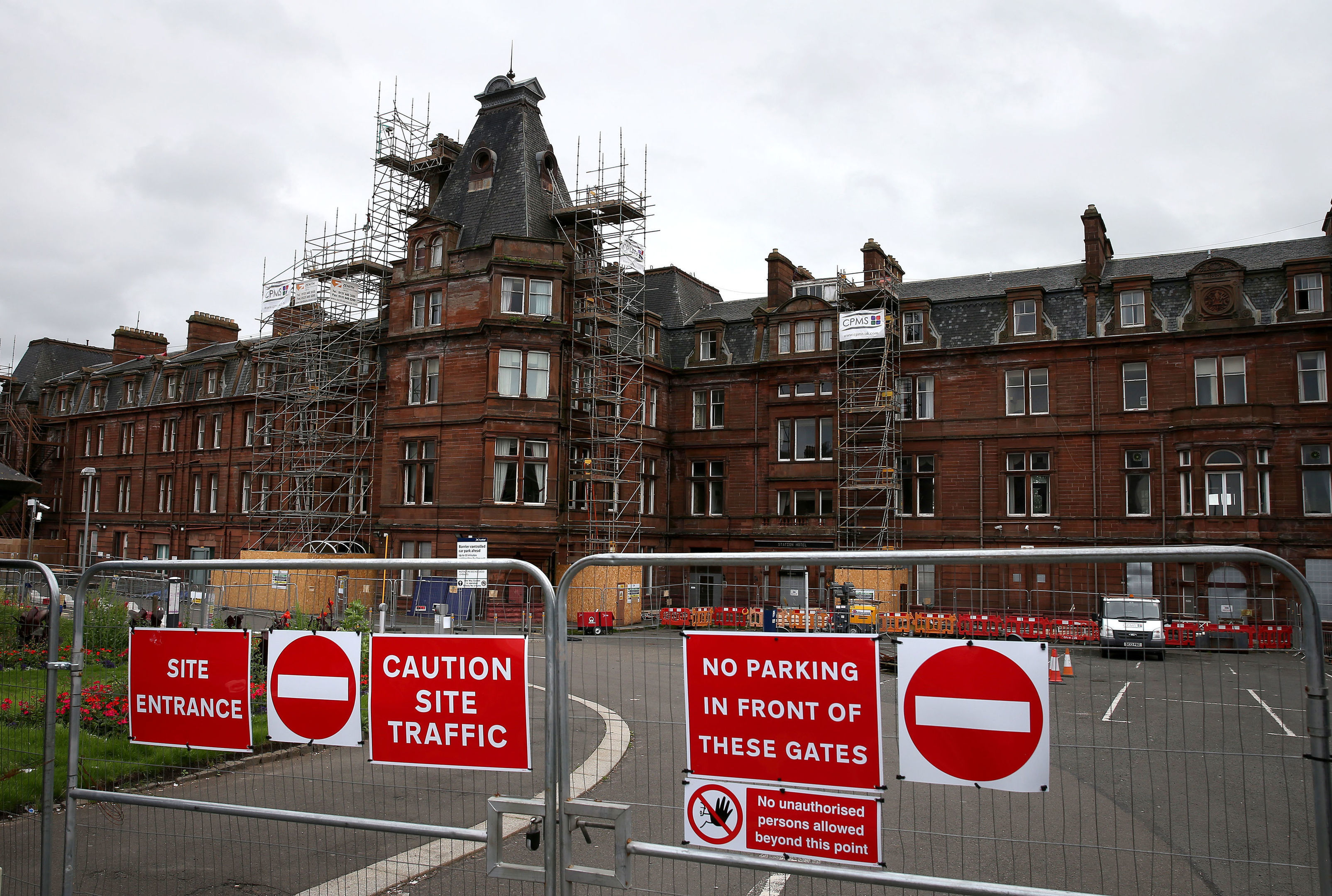 The perimeter fence at the former Station Hotel in Ayr (Andrew Milligan/PA Wire)
