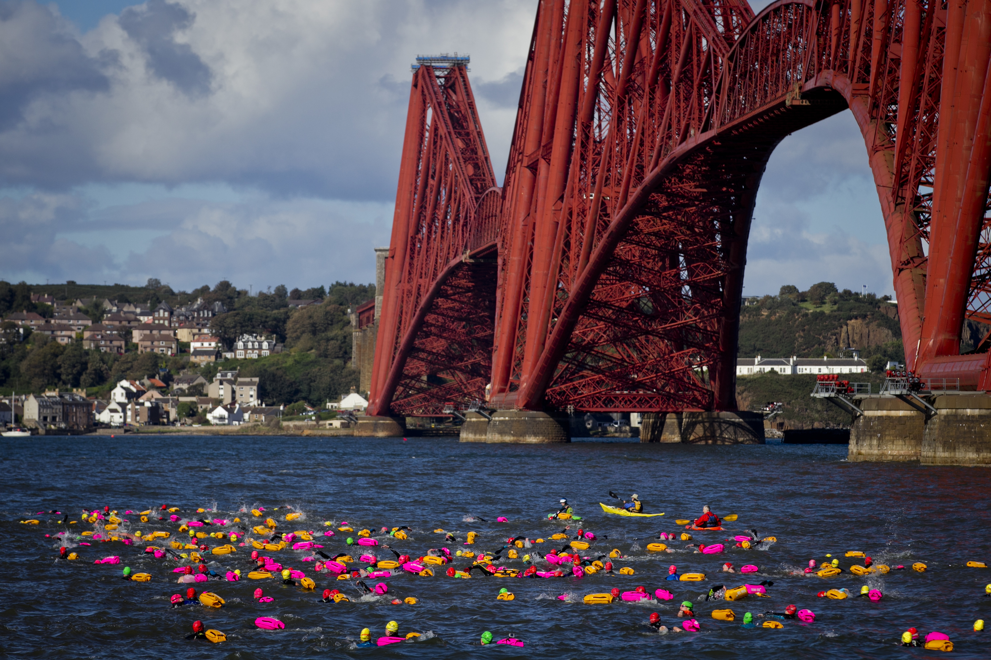 Swimmers taking part in the Forth Swim (Andrew Cawley / DC Thomson)