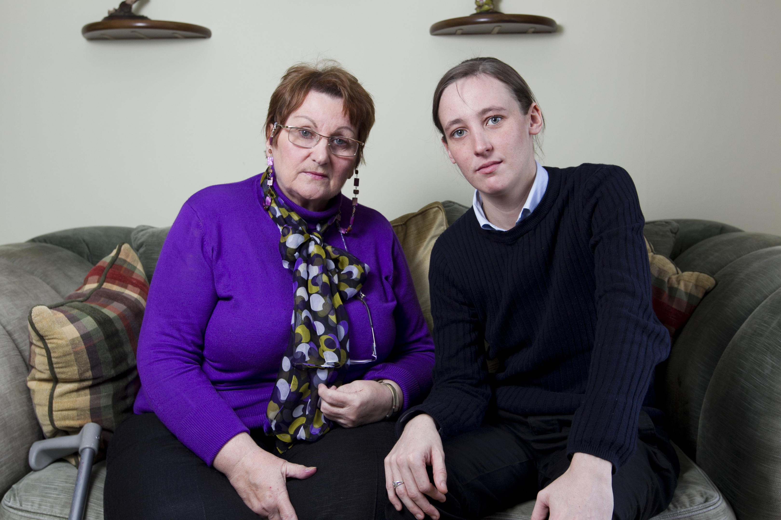 Marion McMillan (L), meeting her MSP, Mhairi Black, to discuss her mesh implant (Andrew Cawley / DC Thomson)