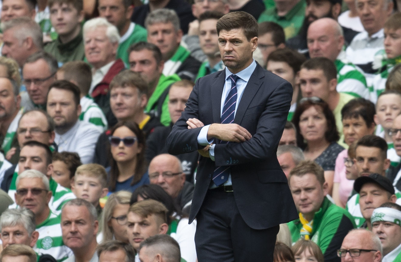 Rangers manager Steven Gerrard looks frustrated on the touchline (SNS Group / Rob Casey)