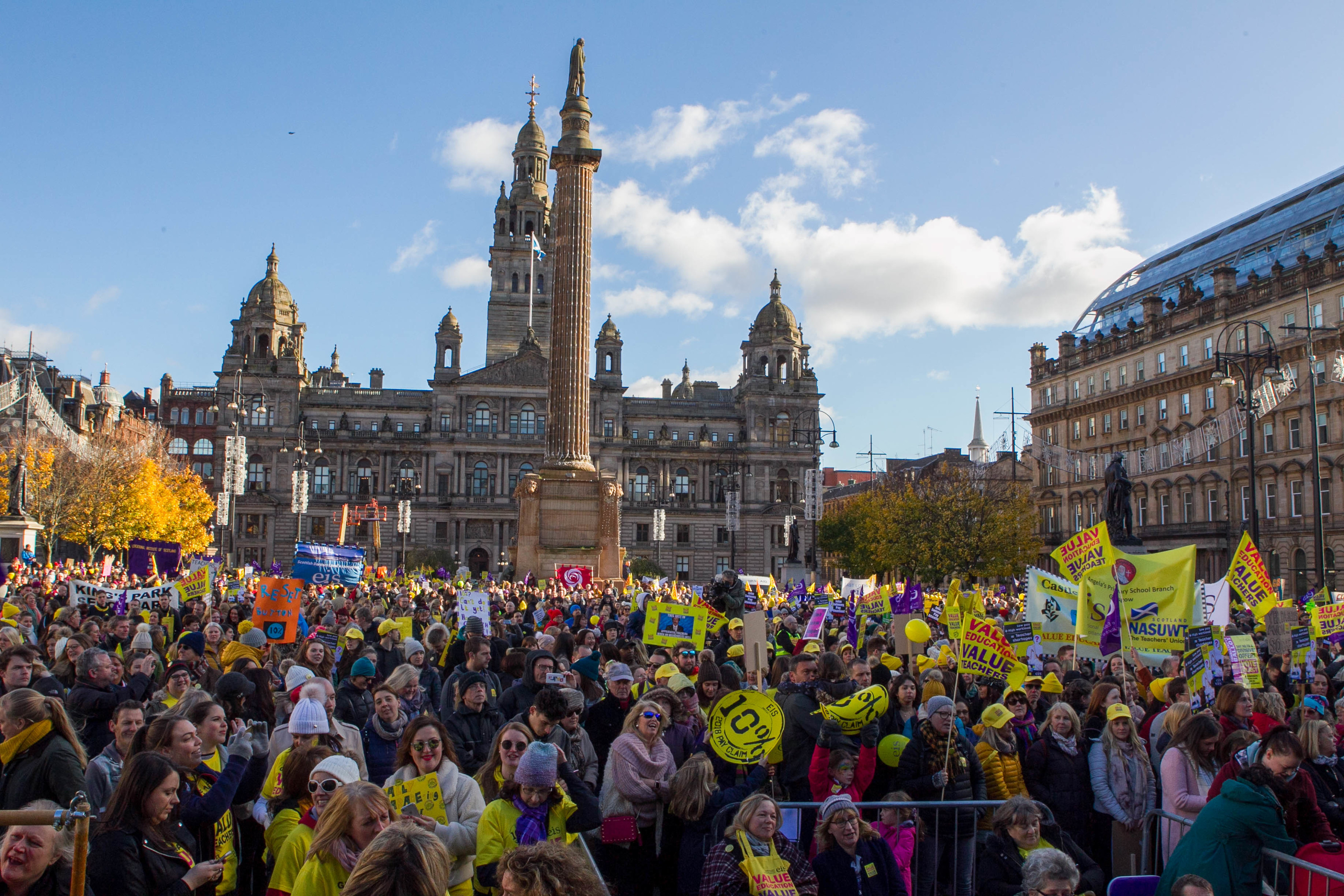 Marchers at George Square (Chris Austin / DC Thomson)