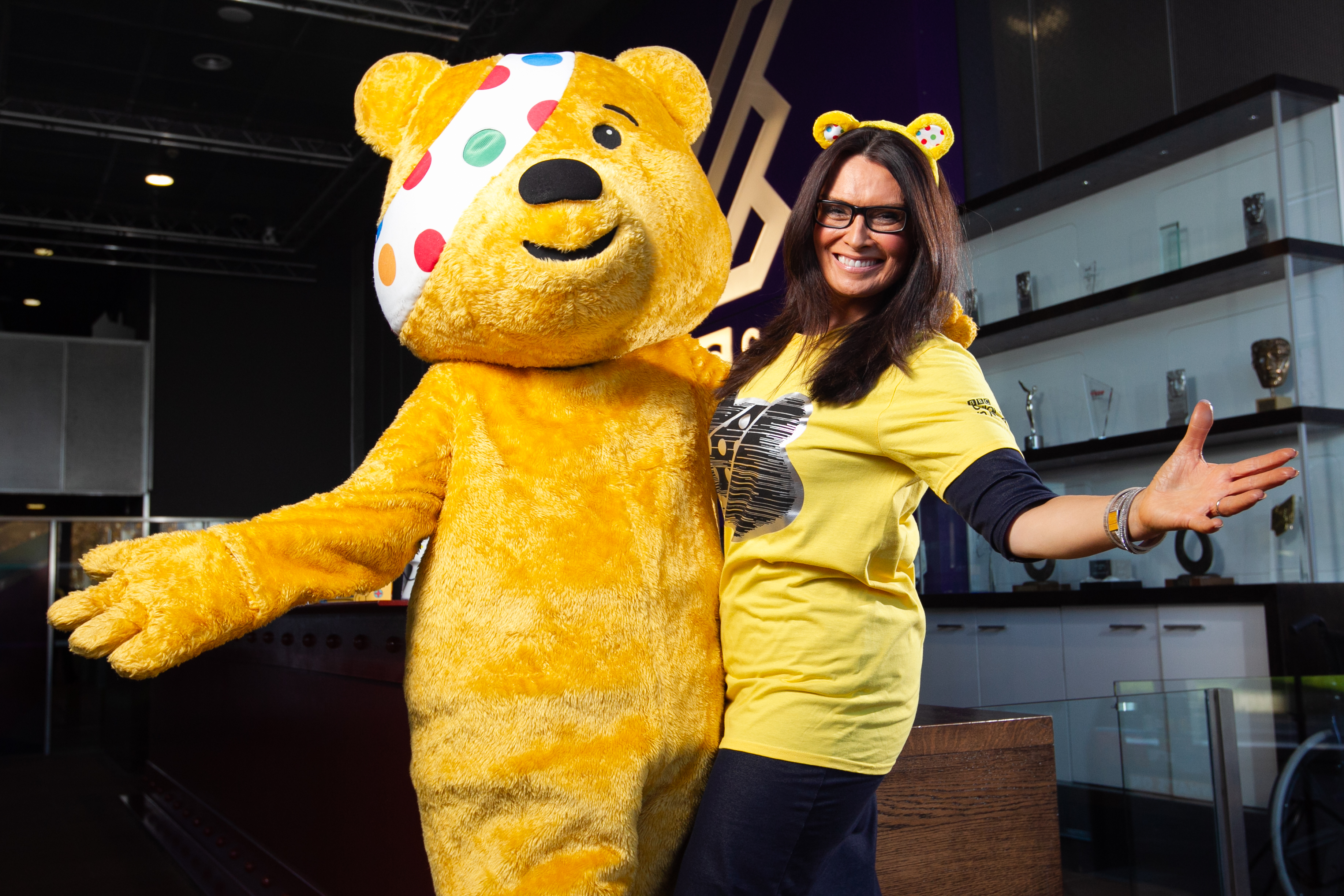 Judith meets Pudsey (Andrew Cawley / DC Thomson)