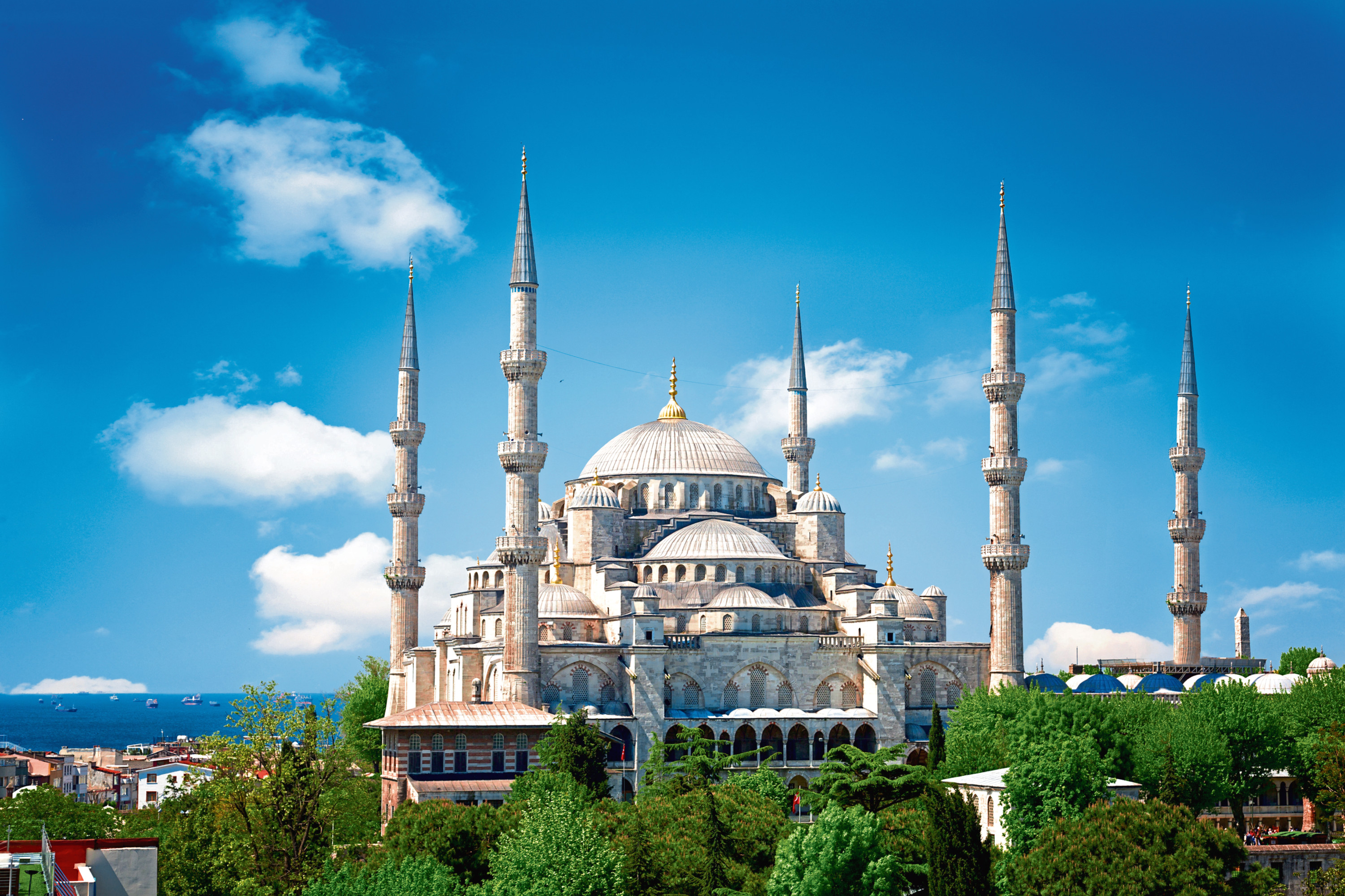 Sultan Ahmed Mosque (Blue mosque) in Istanbul in the sunny summer day, Turkey.