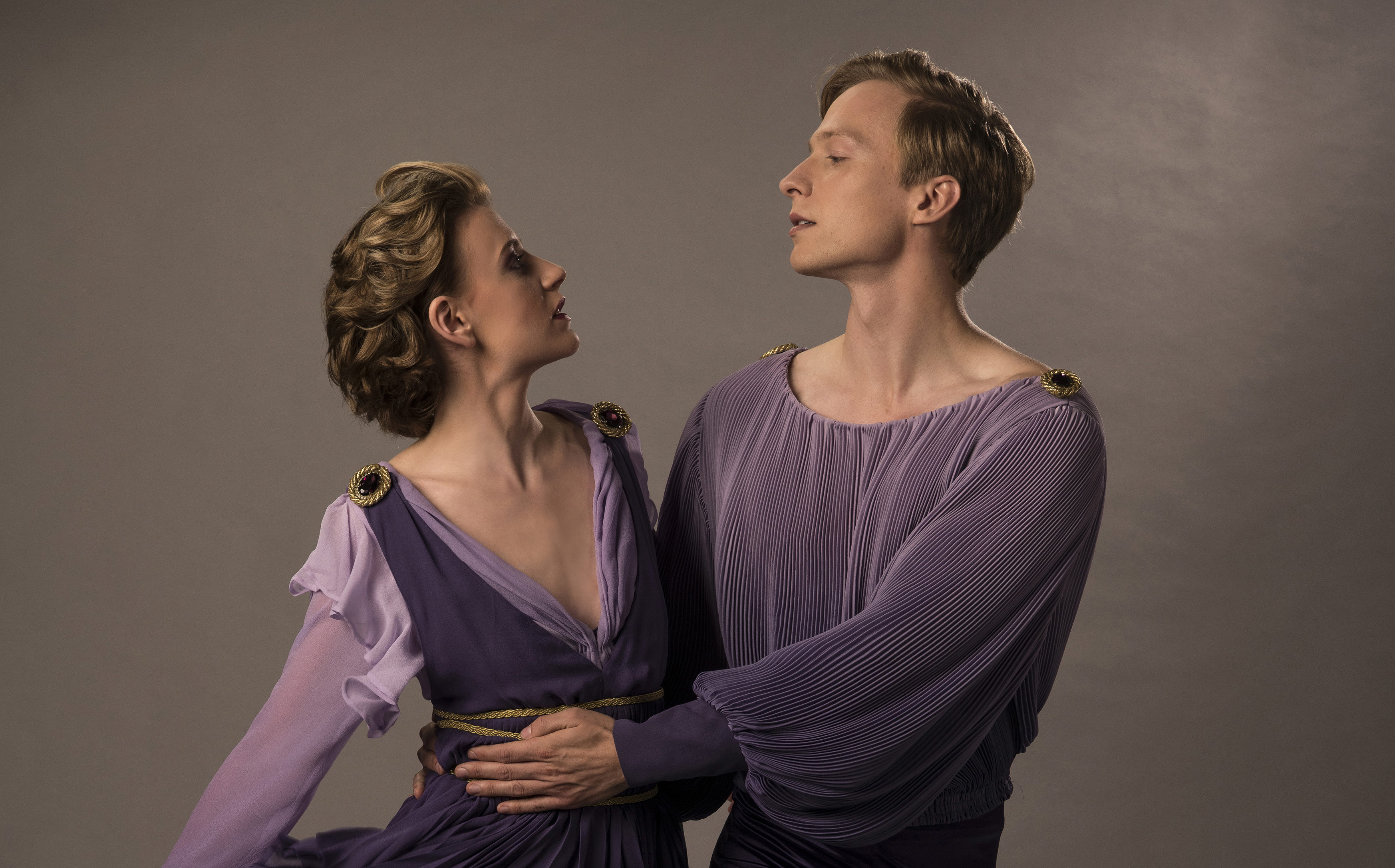 Poppy Lee Friar as Jayne Torvill and Will Tudor as Christopher Dean (ITV)