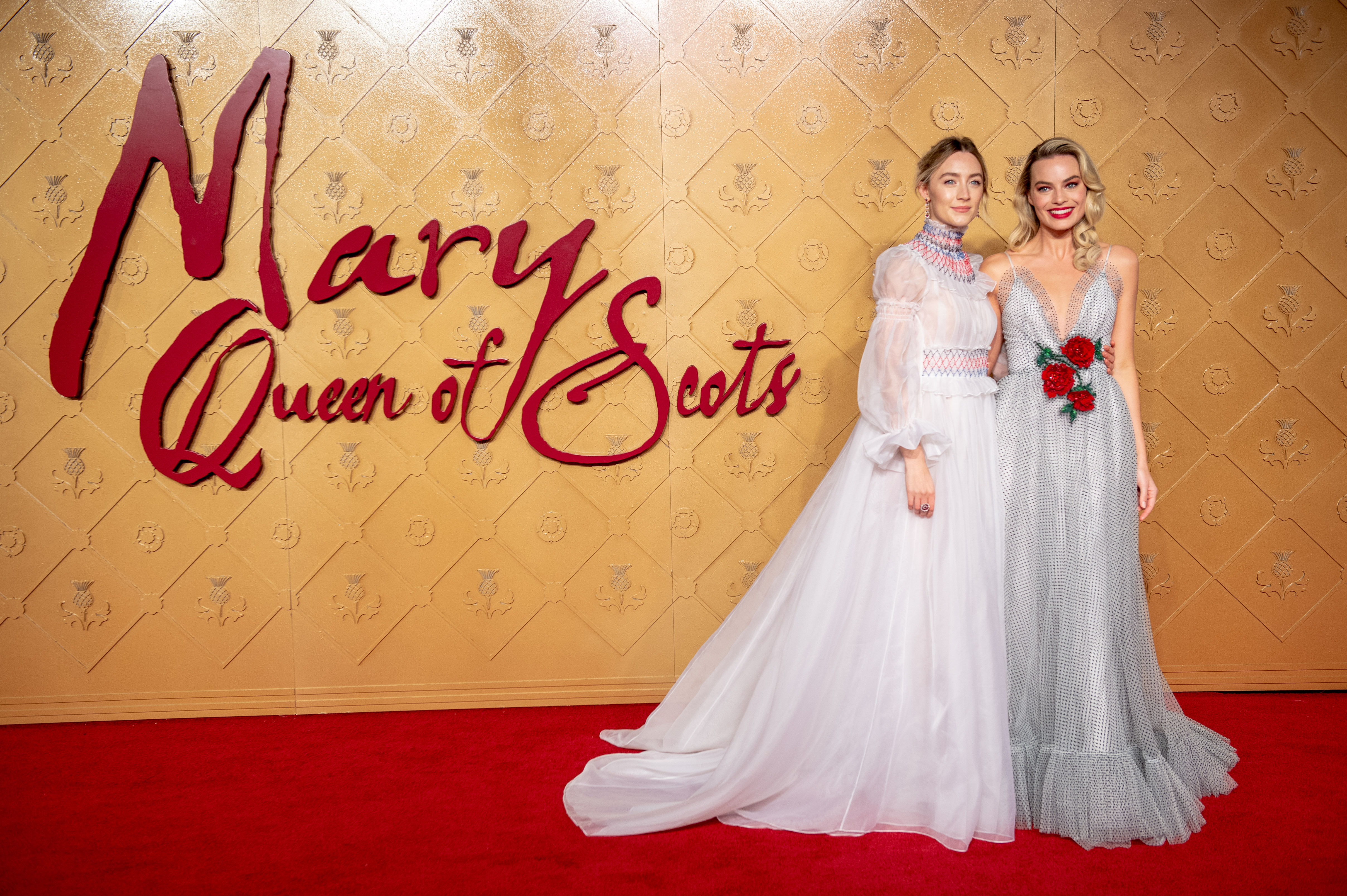 """Saoirse Ronan and Margot Robbie attend the World Premiere of """"Mary Queen of Scots"""" at Cineworld Leicester Square (Chris J Ratcliffe/Getty Images)"""