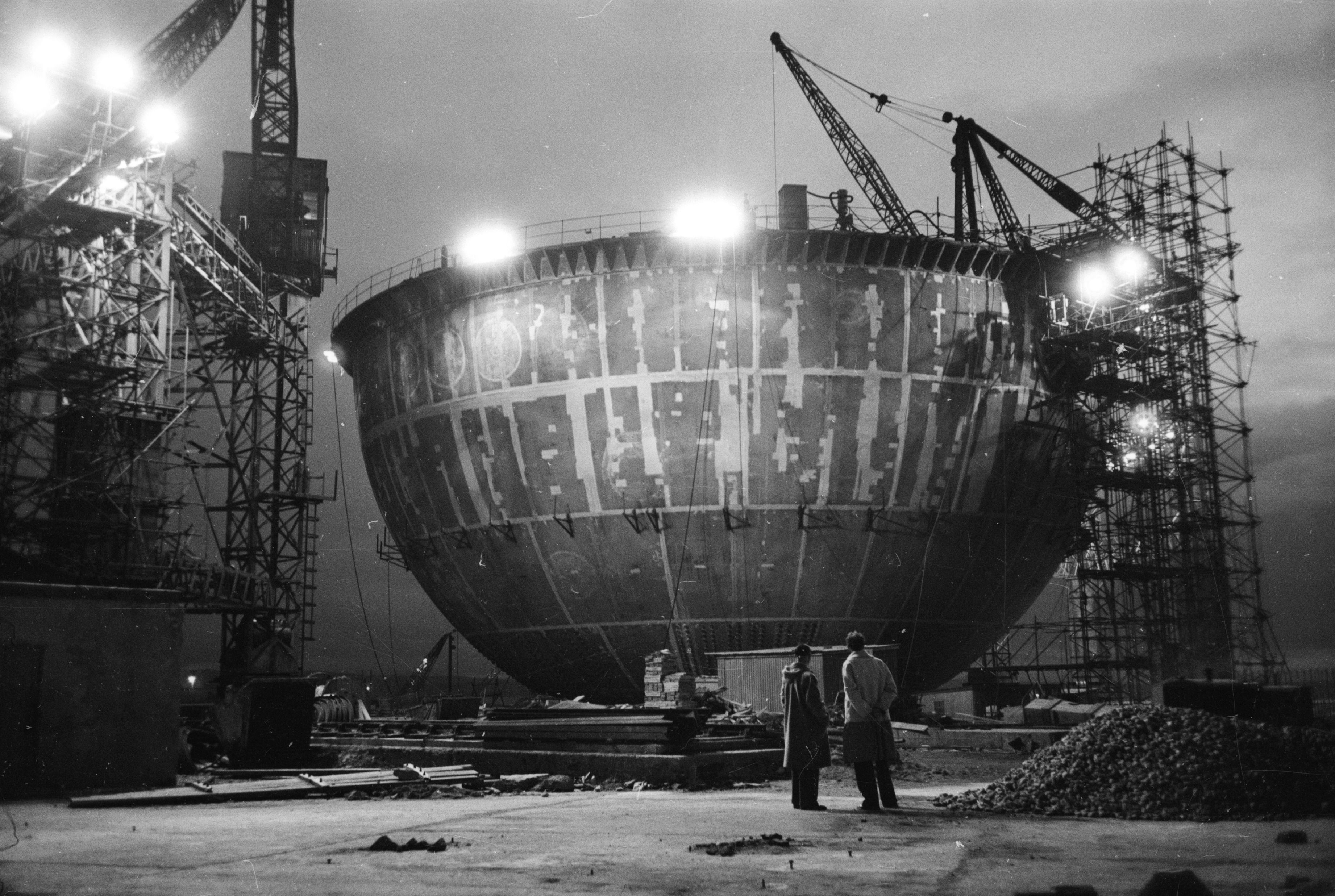 The bottom half of the Dounreay reactor, a steel ball 135-ft wide, during construction in July 1956 (Charles Hewitt/Picture Post/Getty Images)