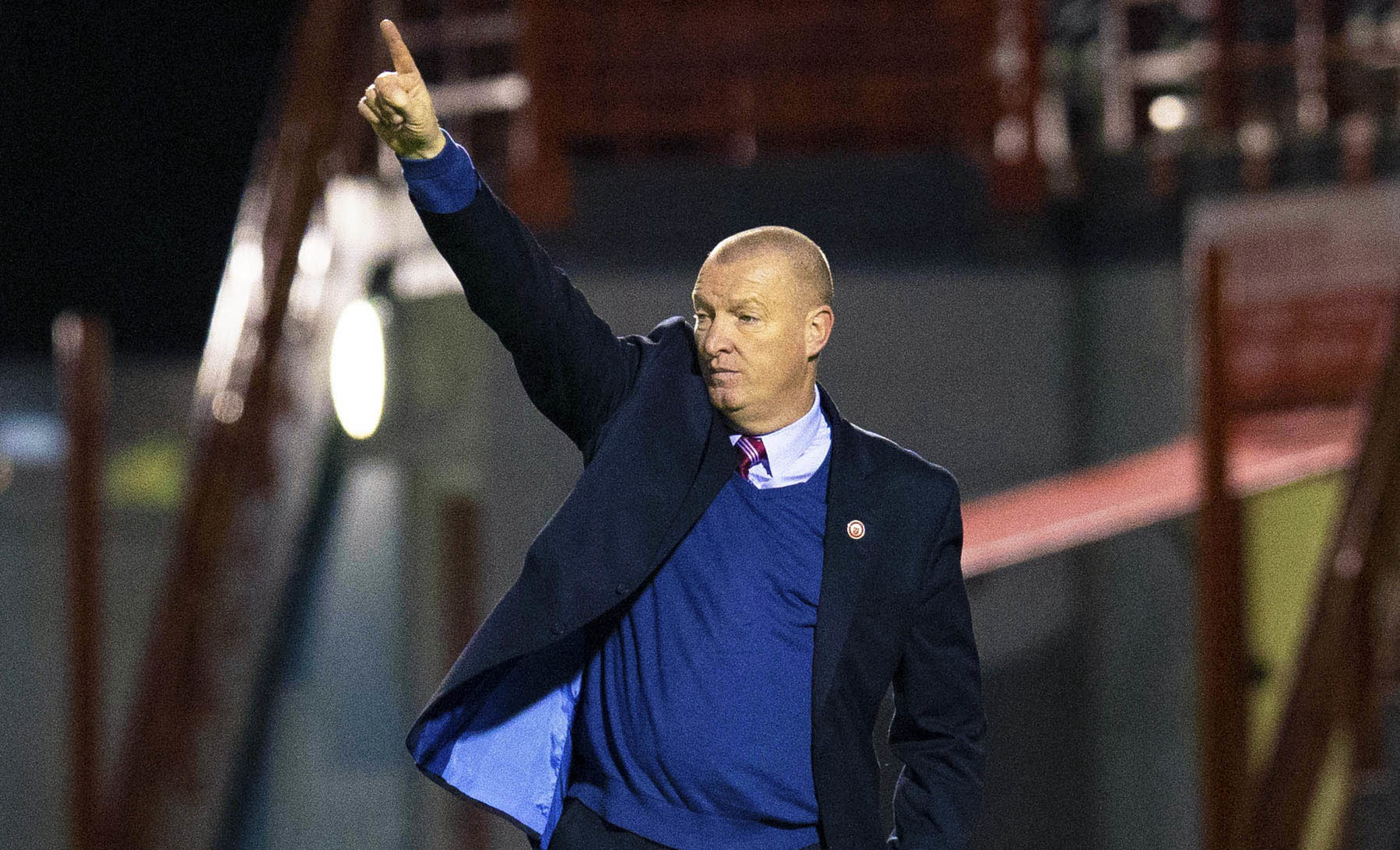 Hamilton manager Brian Rice issues instructions from the sidelines (SNS Group / Bruce White)
