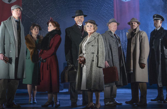 Juliet Mills and Maxwell Caulfield, centre, with the cast of The Lady Vanishes