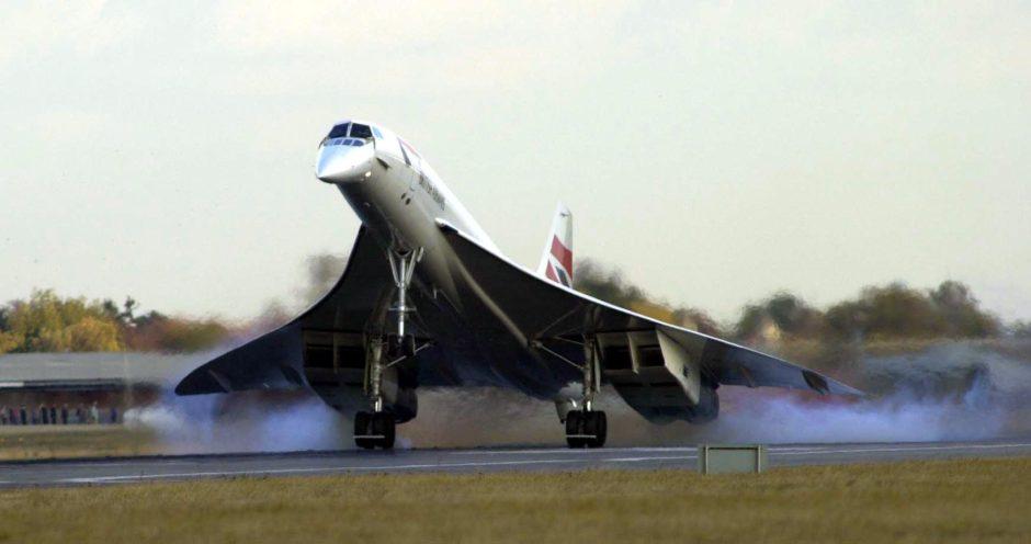 Concorde landing at Heathrow