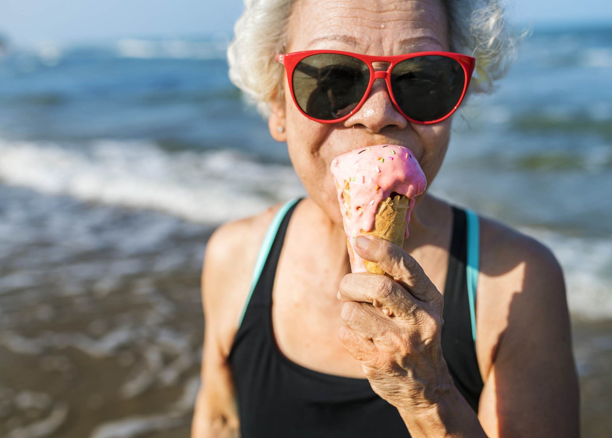 Staying positive can be helpful in boosting brain activity and happiness in older age.