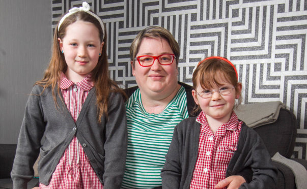 Ruth with her daughters Lucia (8) and Isabella (6)
