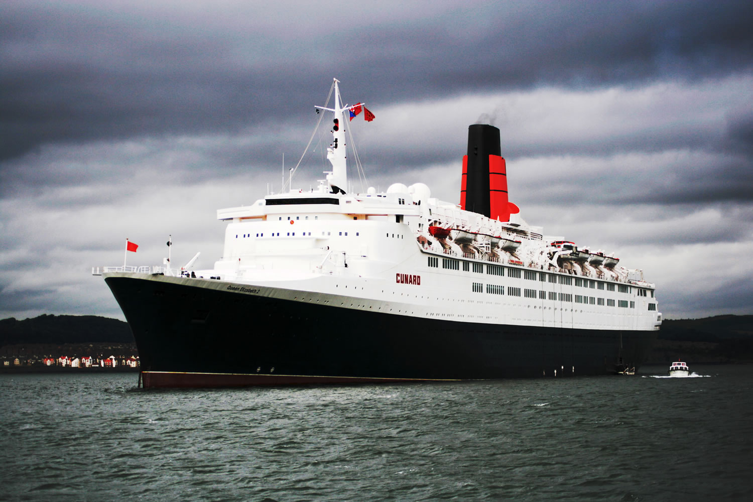 The QE2 at South Queensferry