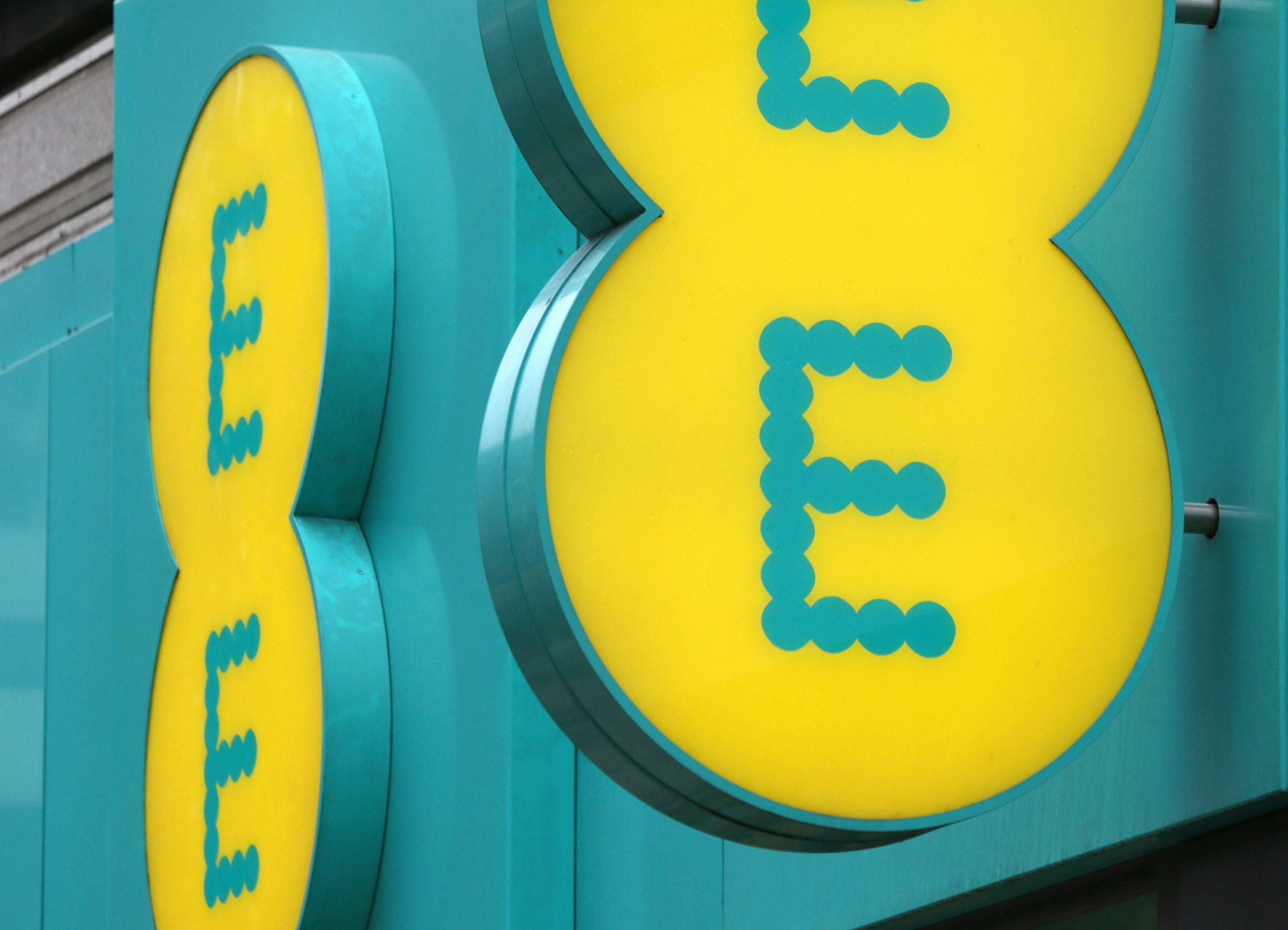 EE are launching 5G services at the end of the month