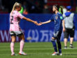 Kirsty Smith of Scotland shakes hands with Yui Hasegawa of Japan after the match