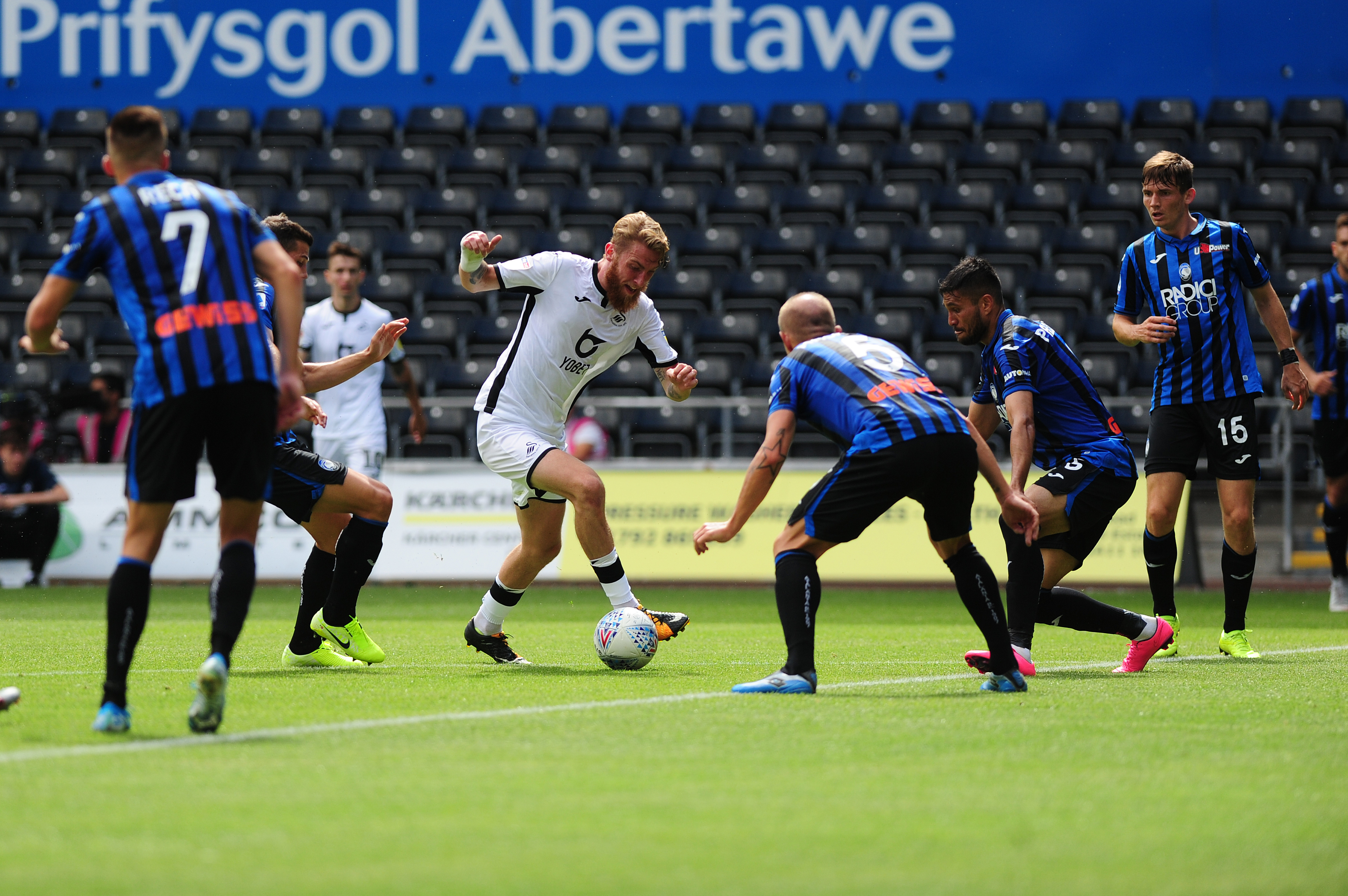 Oli McBurnie in action for Swansea