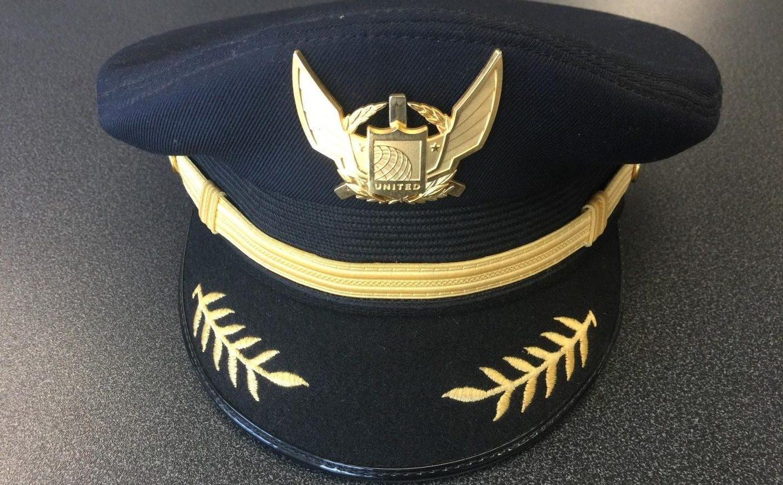 A United Airlines pilot cap