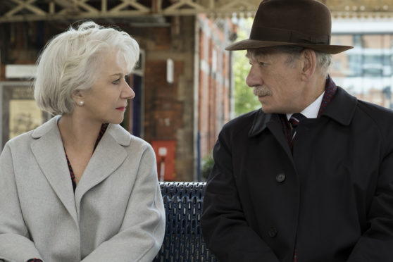 Ian McKellen and Helen Mirren star as con artist Roy Courtnay and well-to-do widow Betty McLeish in The Good Liar