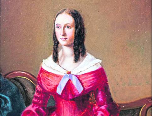 Carolina Oliphant.