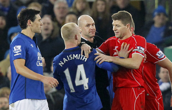 Steven Gerrard and Steven Naismith get acquainted during a Merseyside derby in 2015