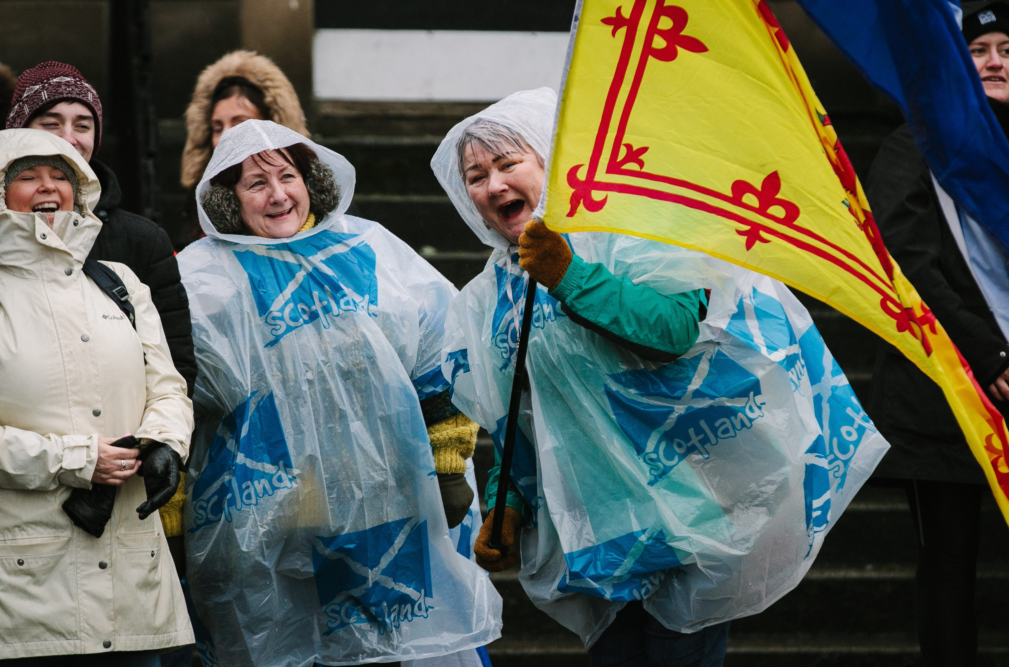 Independence supporters brave the bad weather