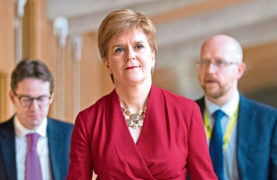 First Minister warns mesh surgeons who 'acted inappropriately' may face disciplinary action