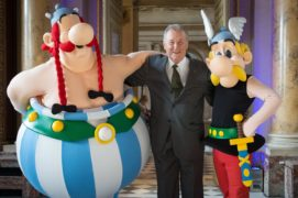 Illustrator Albert Uderzo with cosplayers as his much-loved characters Obelix and Asterix in Paris in 2015