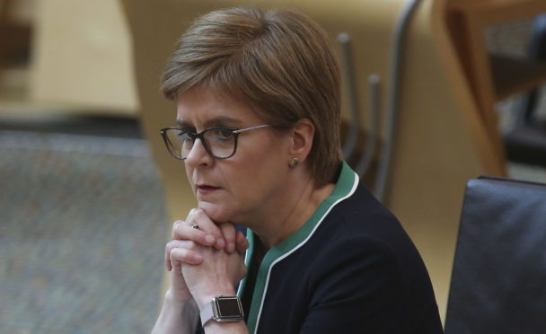 Mesh surgeon disputes Nicola Sturgeon's claim of contract offer