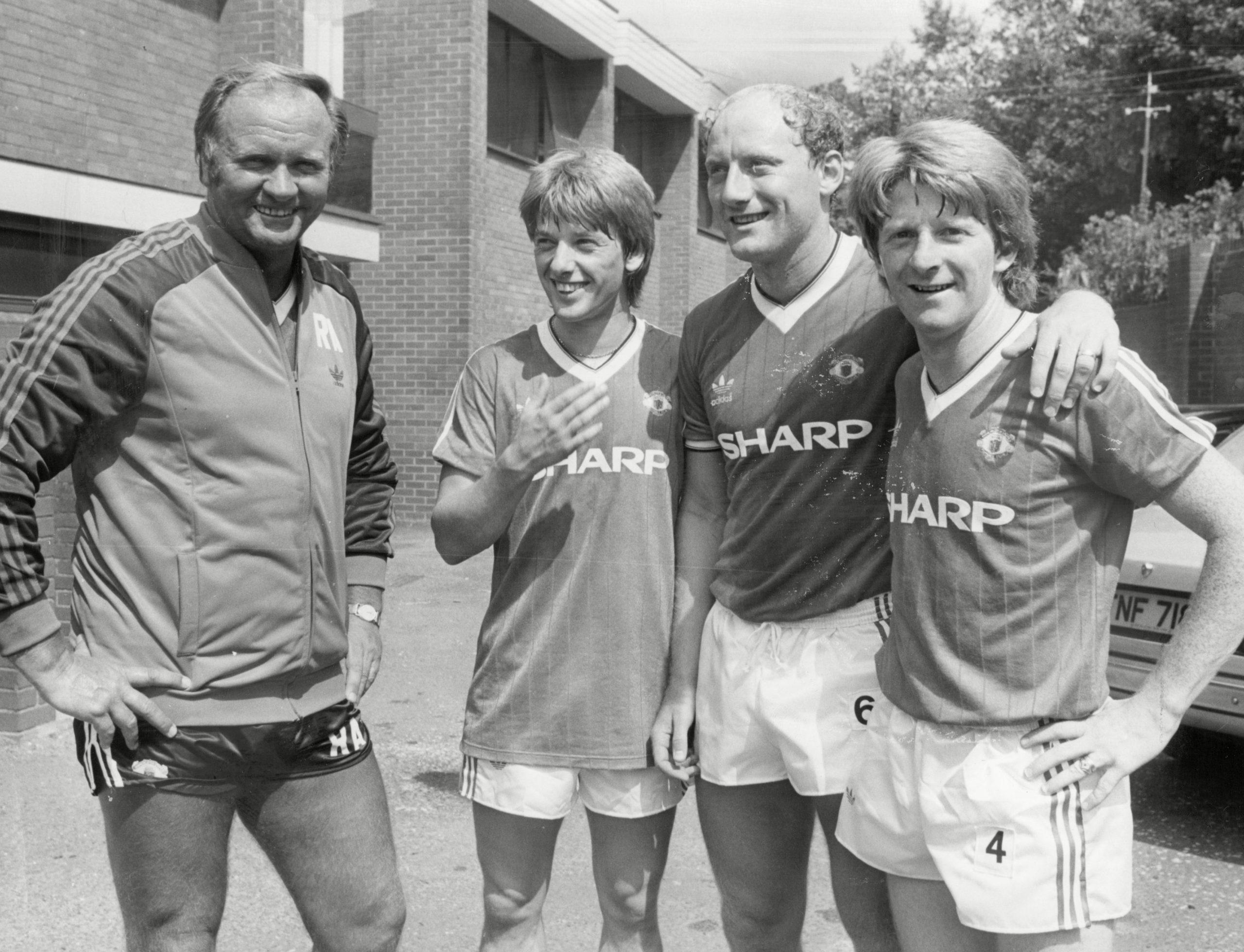 Alan Brazil with Manchester United boss Ron Atkinson and team-mates Jesper Olsen and Gordon Strachan