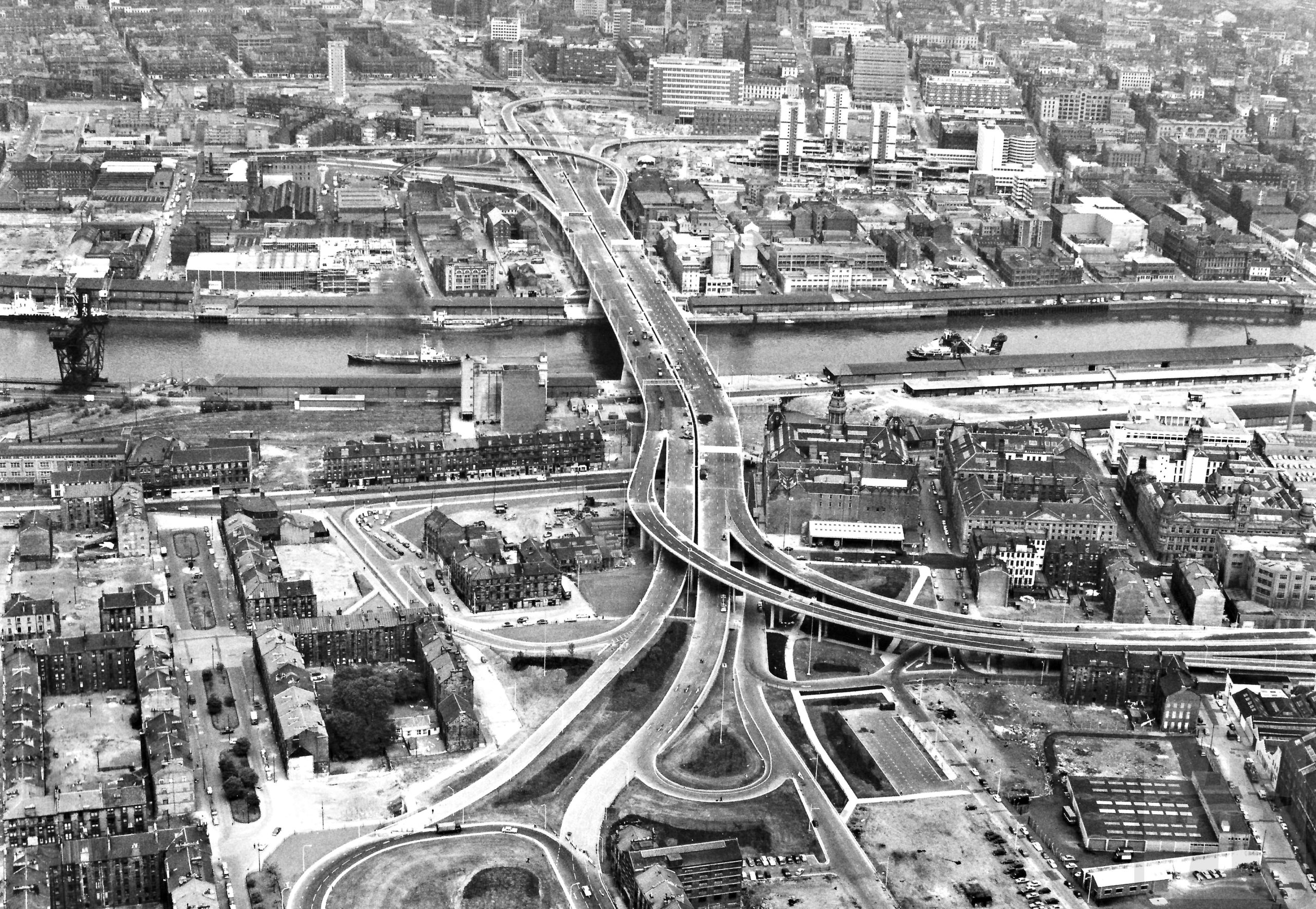 The new Kingston Bridge from above, 1970