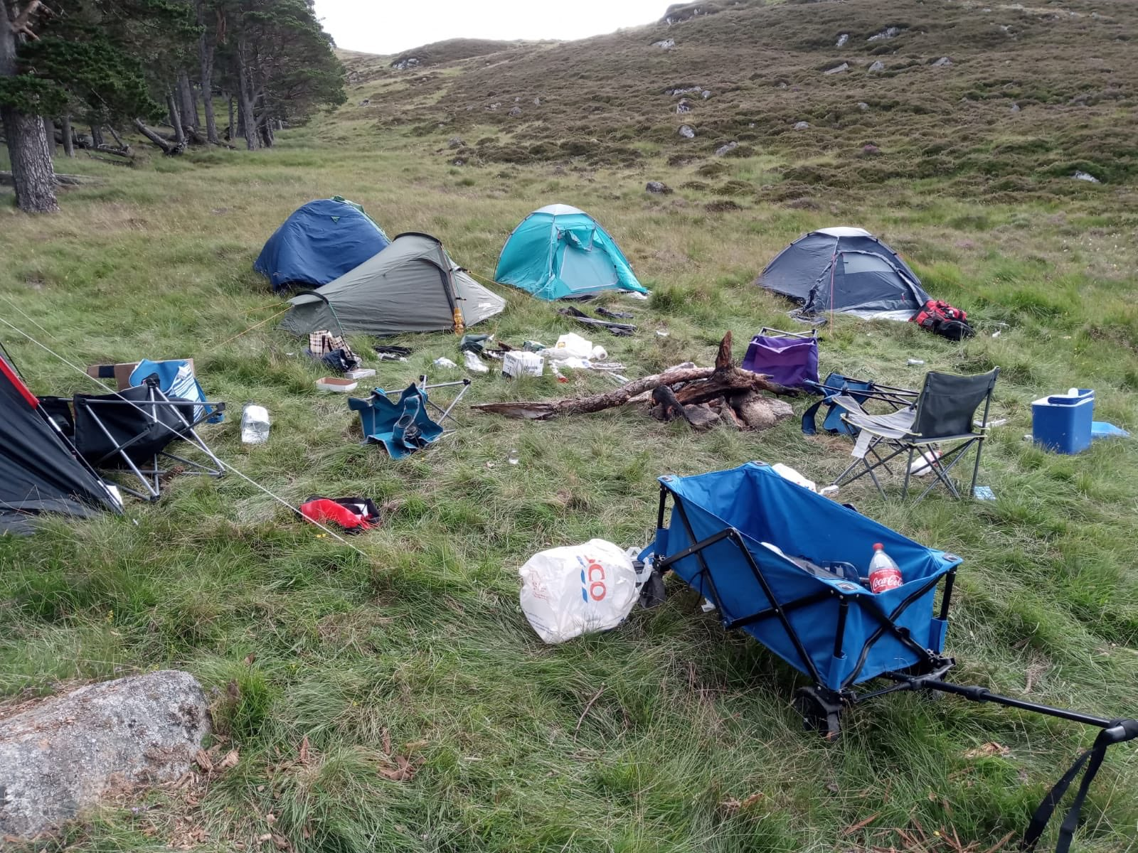 Balmoral rangers' photo of tents and rubbish on estate grounds