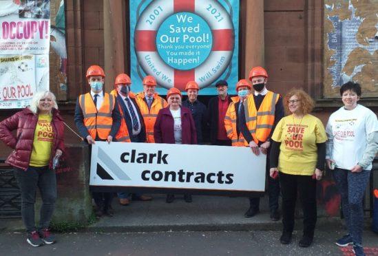 Original Save Our Pool protestors meet the building contractors