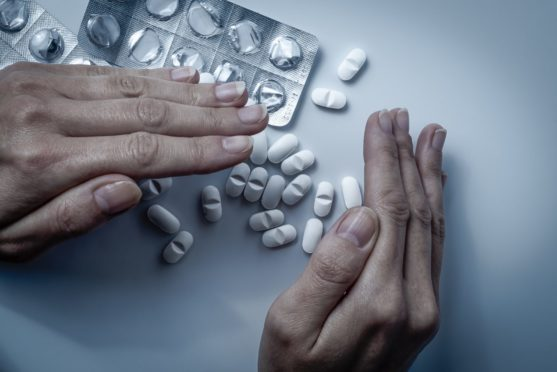 Experts warn of addiction to strong painkillers