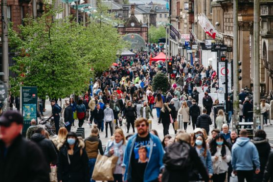 Shoppers in Glasgow city centre