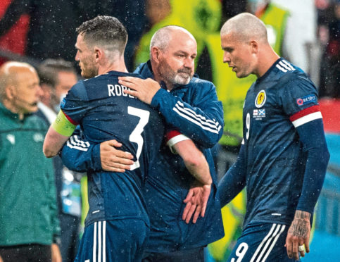 Steve Clarke with his captain, Andy Robertson, after Friday night's draw with England.