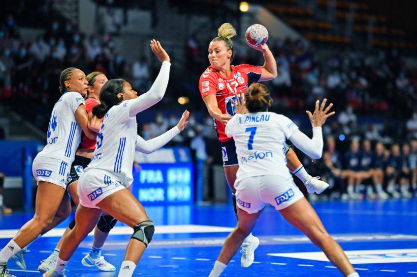 Norway's handball stars play France in Japan
