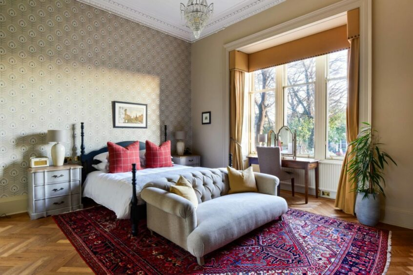 A suite in Dunstane Houses