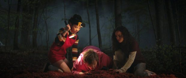 Julia Rehwald, Fred Hechinger and Kiana Madeira in Fear Street: 1994