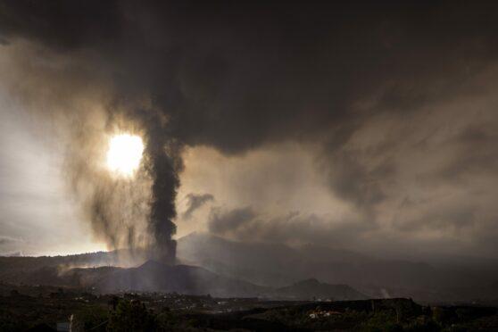 La Palma's Cumbre Vieja erupts, spewing lava and poisonous gas