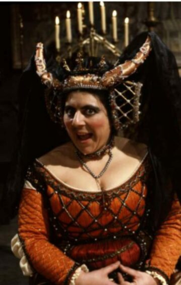Miriam as Infanta Maria Escalosa of Spain in Blackadder